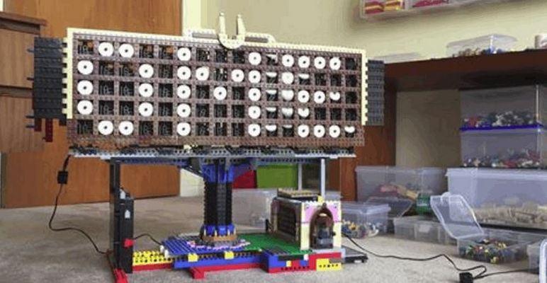 LEGO Scrolling Pixel Display Board