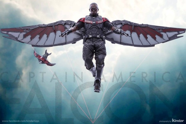 Hot Toys 1/6th Scale Falcon Collectible Figure