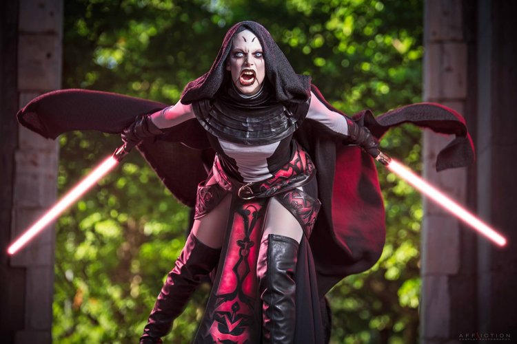 Stunning Miss Sinister Cosplay of Asajj Ventress From STAR WARS: CLONE WARS