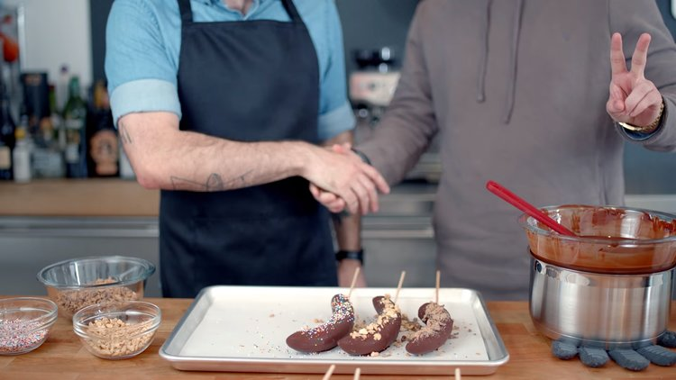 learn-how-to-make-frozen-chocolate-bananas-corn-balls-and-more-treats-from-arrested-development-social