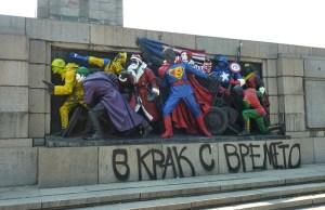 bulgarians-vandalizing-soviet-army-monument