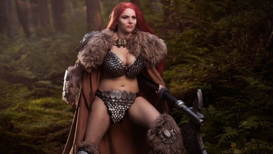 Hot RED SONJA Cosplay