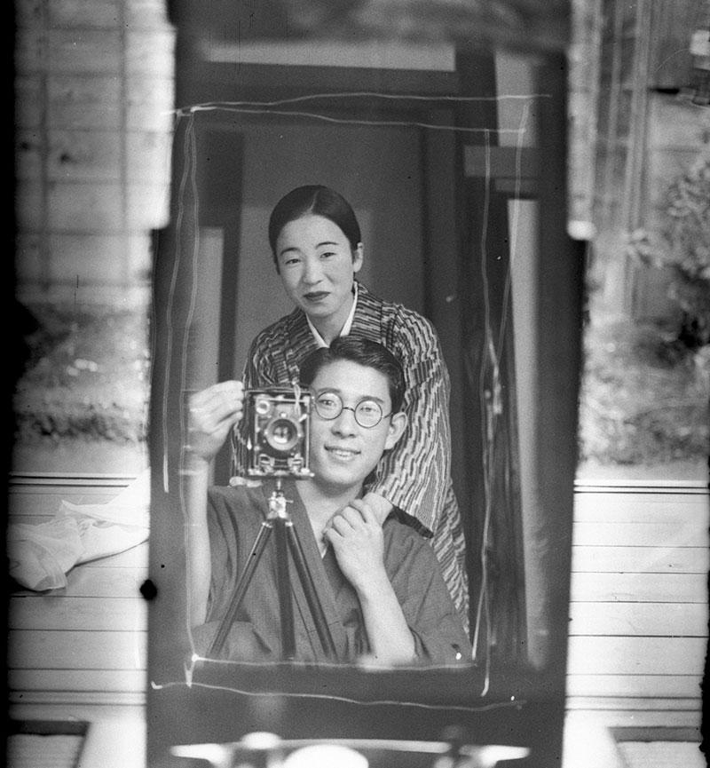 Japanese Mirror Selfie From 1920