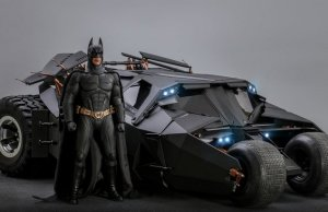 BATMAN BEGINS Figure and Tumbler Batmobile