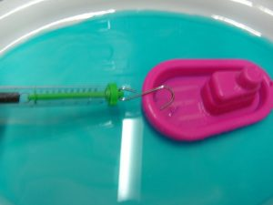 Ice breaker hull design science experiment - boat in jelly