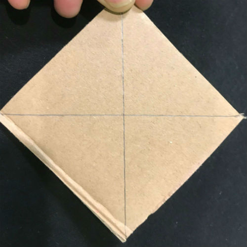 2 lines on a square wheel that connects the opposite corners together