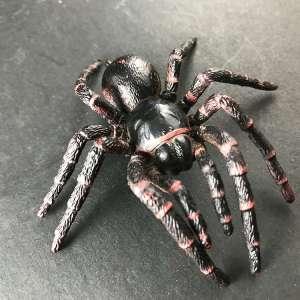Funnelweb spider replica