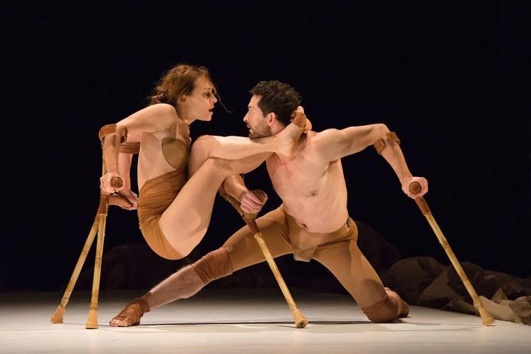 """Les 7 Doigts perform """"Anne & Samuel."""" Photograph by Alexandre Galliez"""