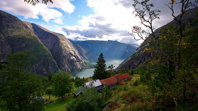 FJORDS NORWAY - The Hardangerfjord