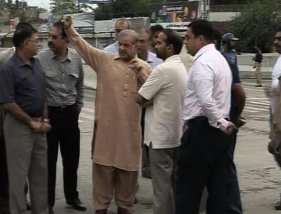 Shahbaz Sharif Visits Bhatta Chowk Lahore Construction (22-5-2011) 3