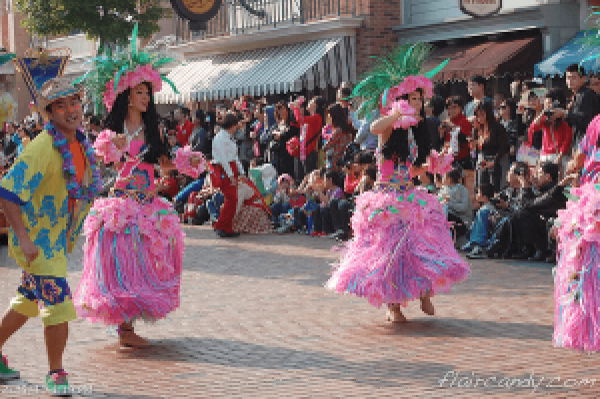 Hong Kong Disneyland Flights of Fantasy Parade Lilo and Stitch