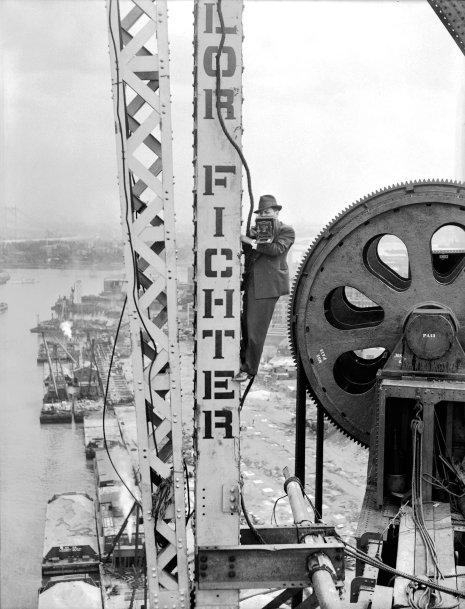 Ernie Sisto photographie la mise en place du Triboro Bridge