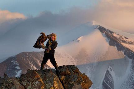 Une dresseuse d'aigle de 13 ans en Mongolie