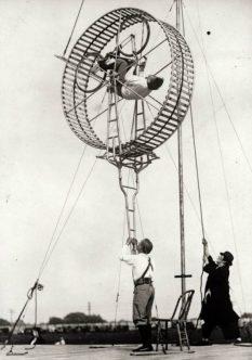 vieux-acrobates-25-589x840