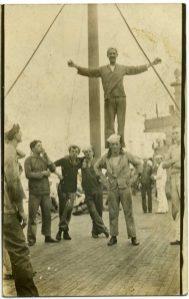 vieux-acrobates-28-531x840