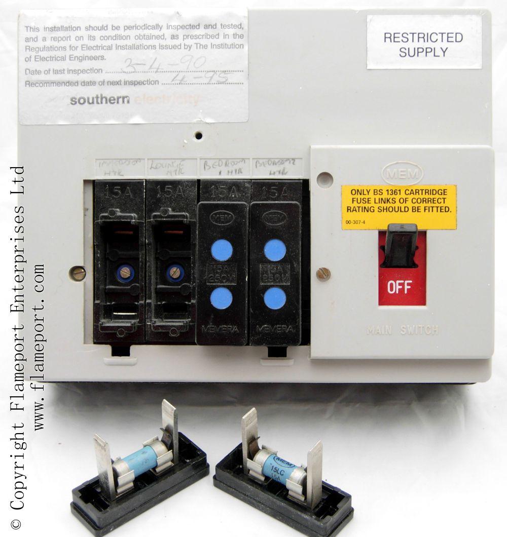 Memera 3 Four Way Plastic Cartridge Fusebox