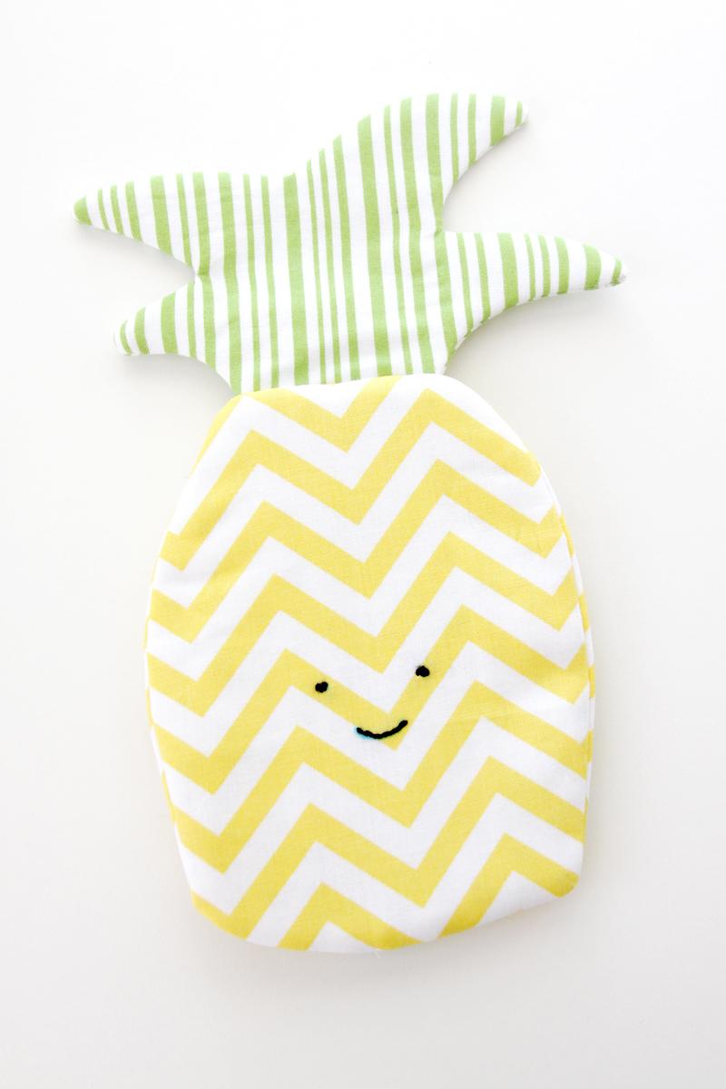 Simple Pineapple Zipper Pouch