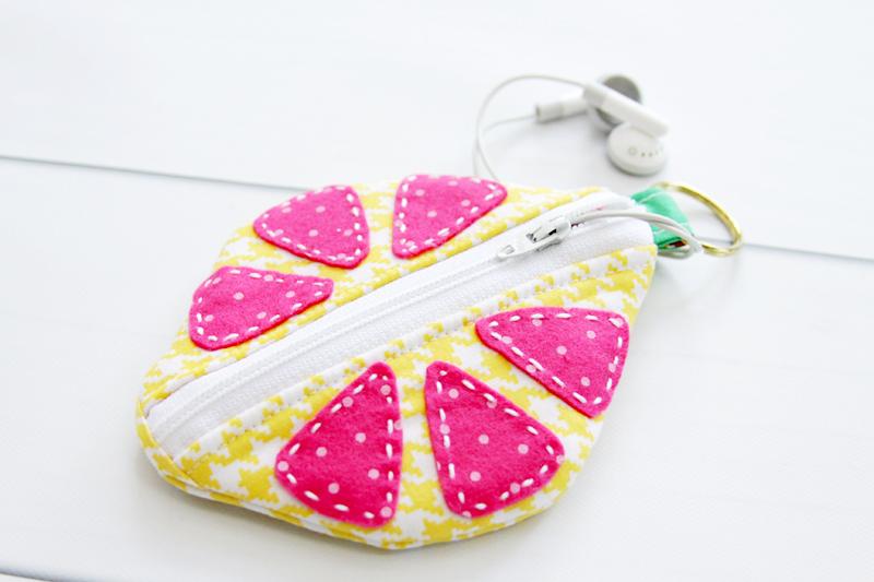 earbud-zipper-pouch