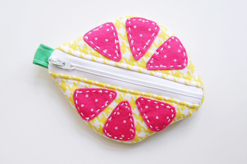 right-side-of-zipper-pouch
