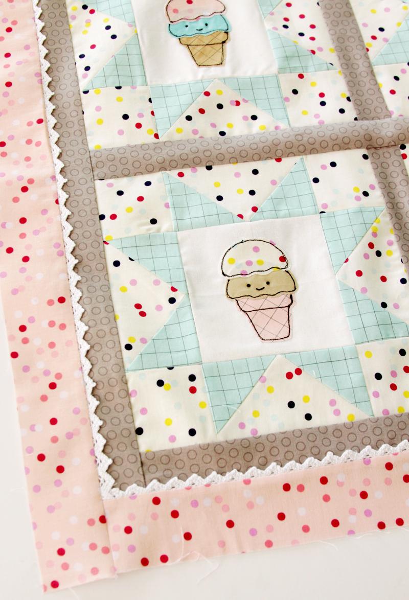 pink-ice-cream-border