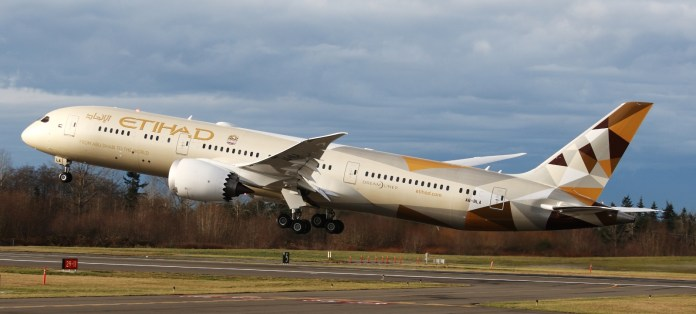 etihad-airways-boeing-787-dreamliner-set-to-fly-to-riyadh