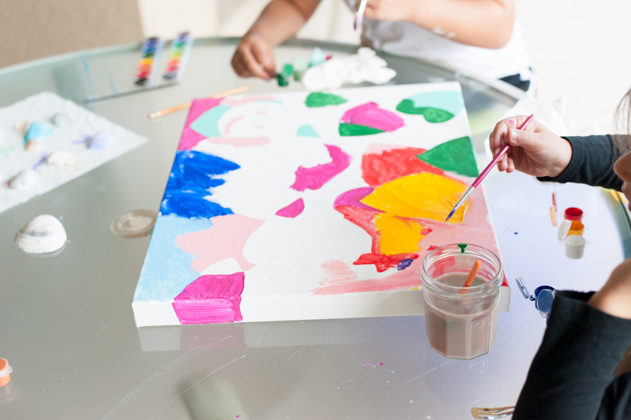 Collaborate with friends and family with this doodle heart painting.