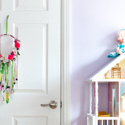 How To Make A Delightful and Colorful DIY Spring Wreath