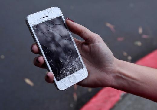 iphone-broken-screen