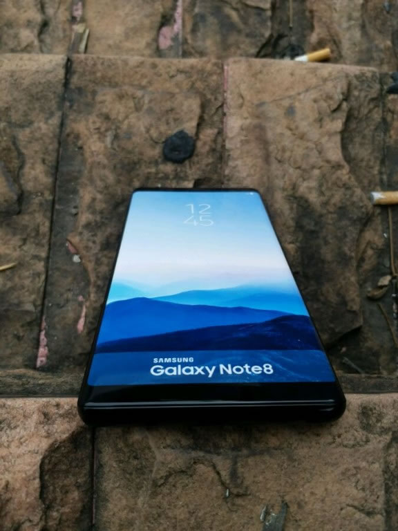 samsung-galaxy-note8-dummy