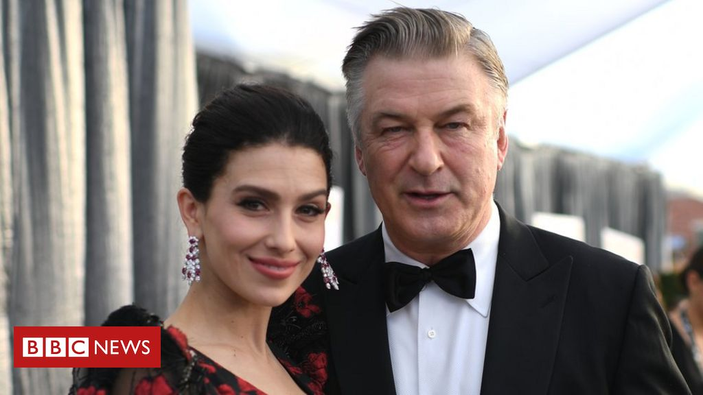 Alec Baldwin deactivates Twitter account over 'switching accents' joke