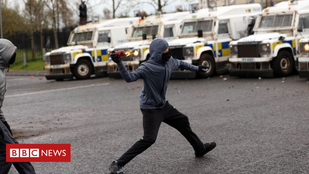 Belfast: Police attacked during another night of violence