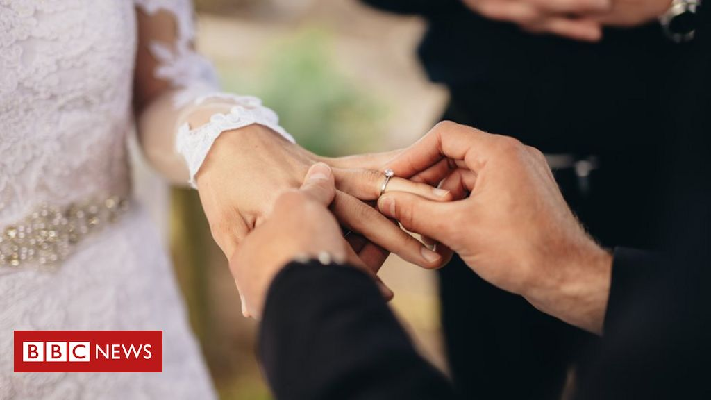 Court bid to legally recognise humanist weddings
