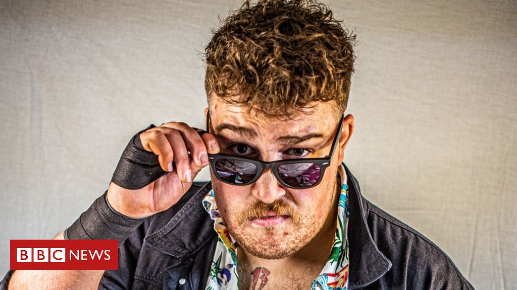Covid: How have pro-wrestlers grappled with lockdown?