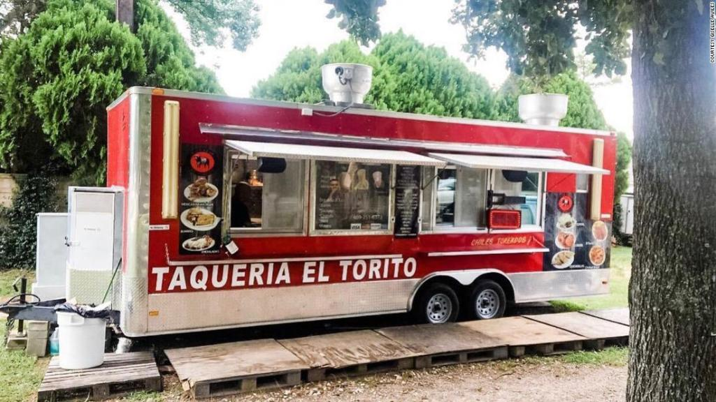 Her father's food truck made just $6 in one day -- so she made a plea on Twitter to help him get more customers