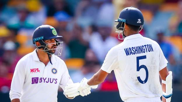 India keep hopes alive with fightback