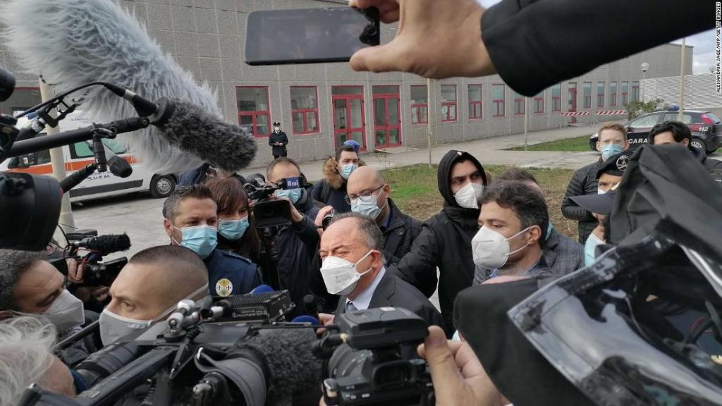 Italy targets violent clan in biggest mafia trial in decades