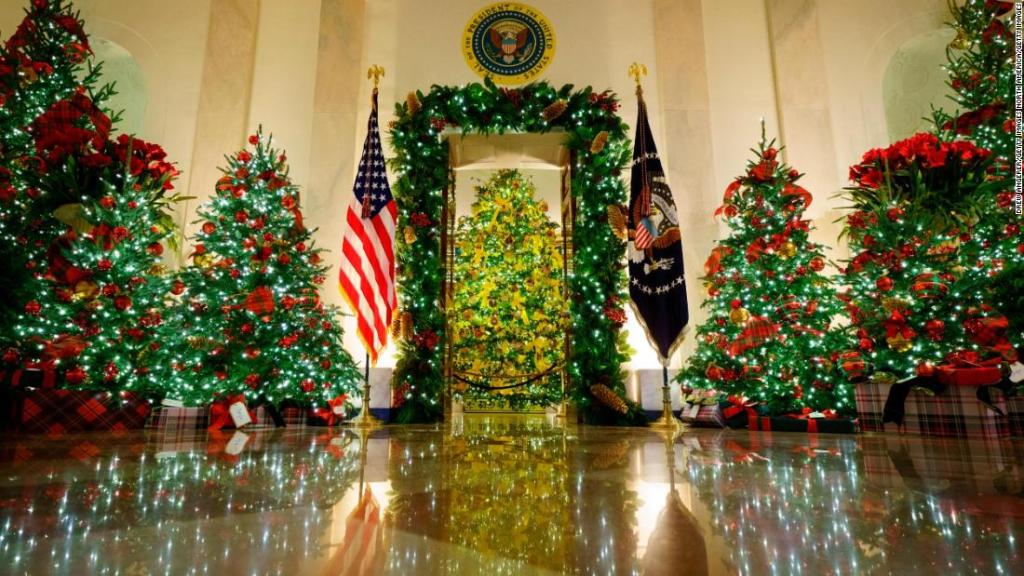 White House again flouts public health recommendations during holiday party season