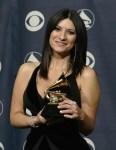 LAURA PAUSINI – la prima donna italiana a trionfare agli Oscar della musica[1]