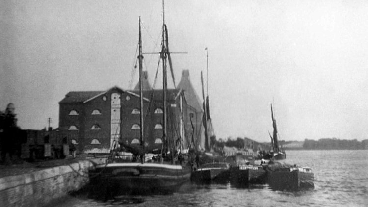 Black and white photo of Mistley Warf - Stour lighters and Thames Barges RST
