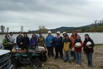 2014 5-3 Foys Bend Vol tree planting (18)rd