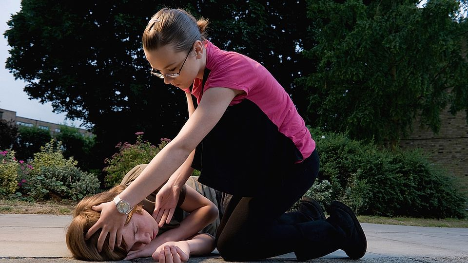 Primary school pupils should be trained in first aid, says charity