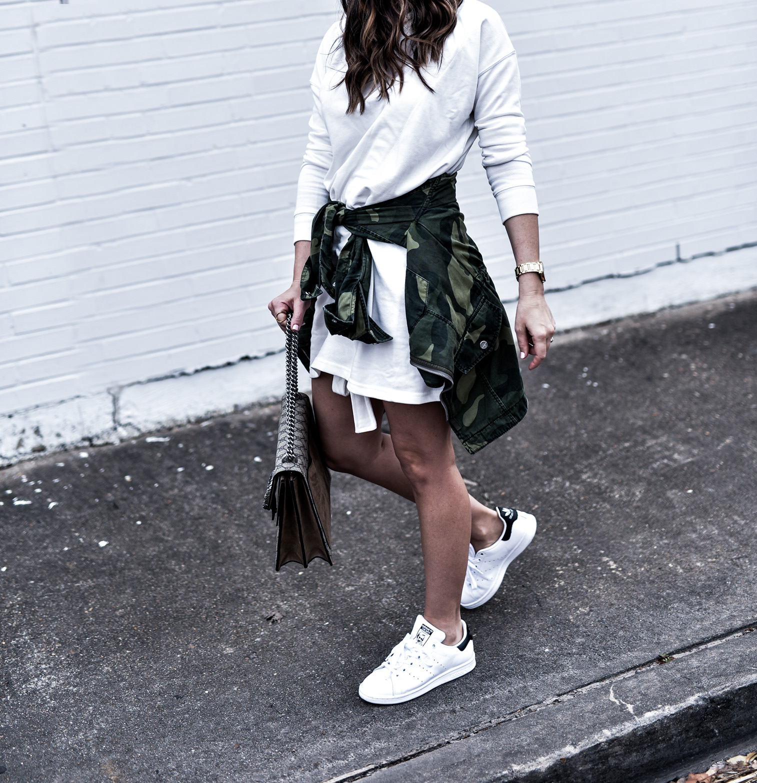 Houston fashion and lifestyle blogger Tiffany Jais wearing a t-shirt dress from ASOS and white Stan Smith sneakers | What's trending in women's fashion