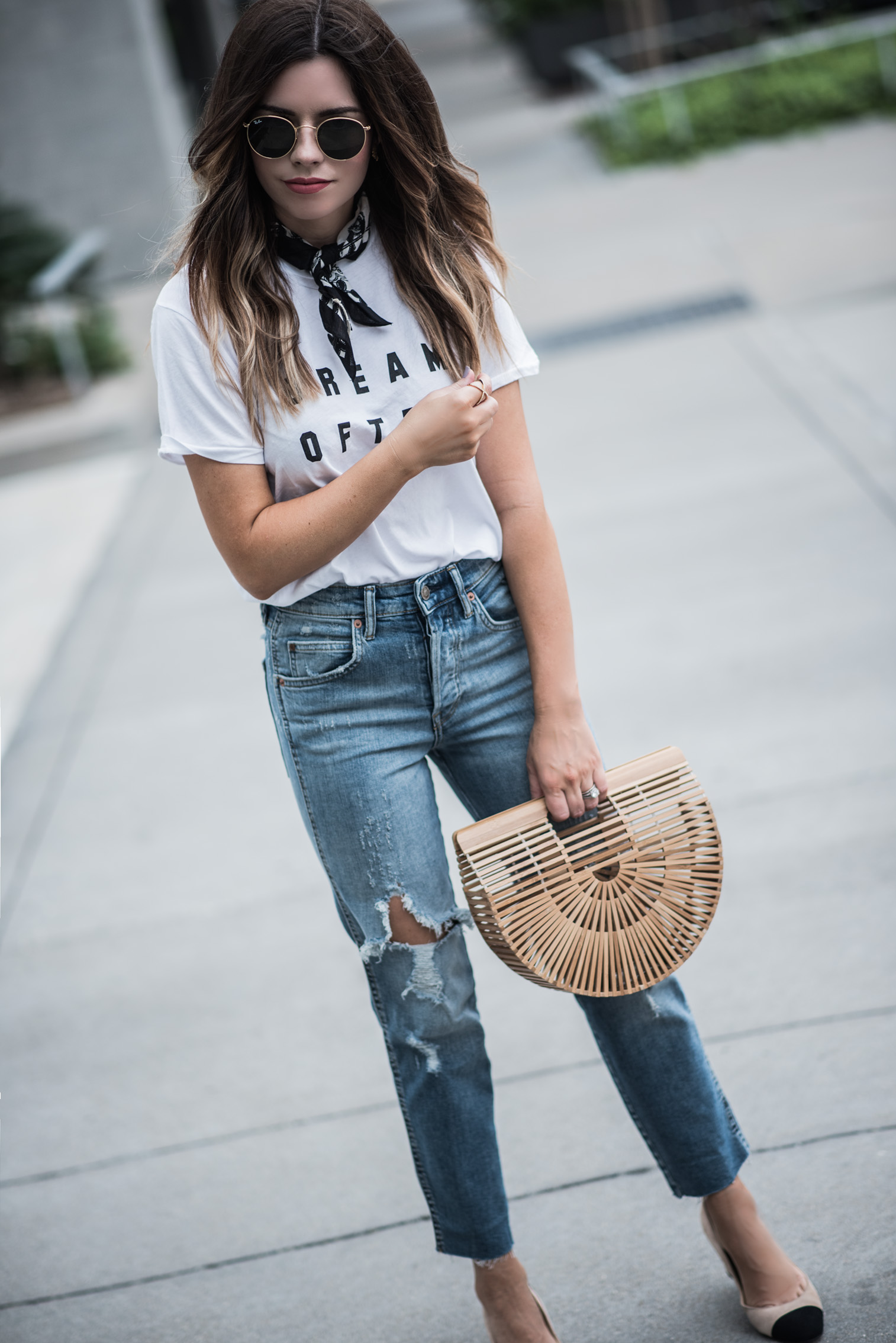 Tiffany Jais Houston fashion and lifestyle blogger | Currently trending-graphic tee's, dream often graphic tee, denim jeans, cult gaia bag, casual outfits, street style outfits 2017