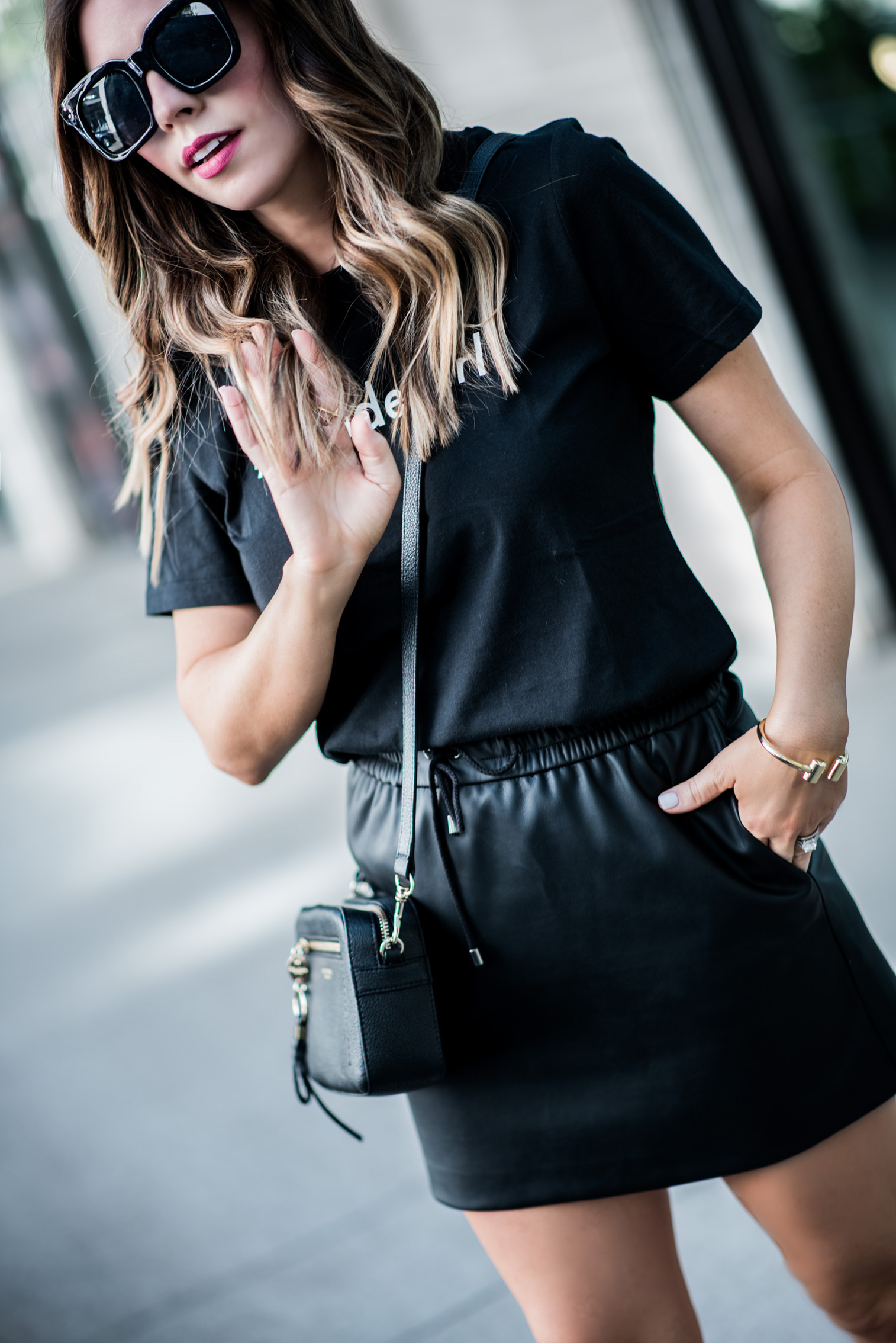 Tiffany Jais Houston fashion and lifestyle blogger | The best Memorial Day sales | All black outfits, casual outfit ideas, bendelgirl tee