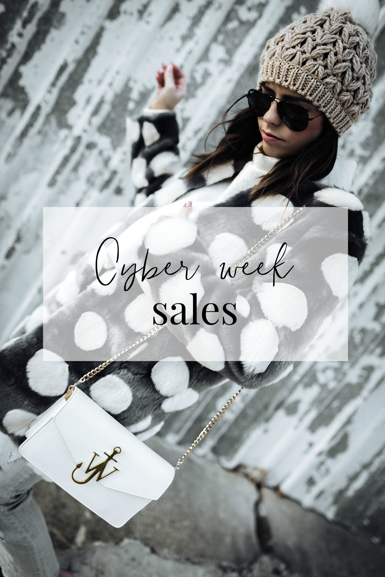 Your guide to all the cyber week sales 2017! Click for the full list! #cyberweeksales #fauxfur