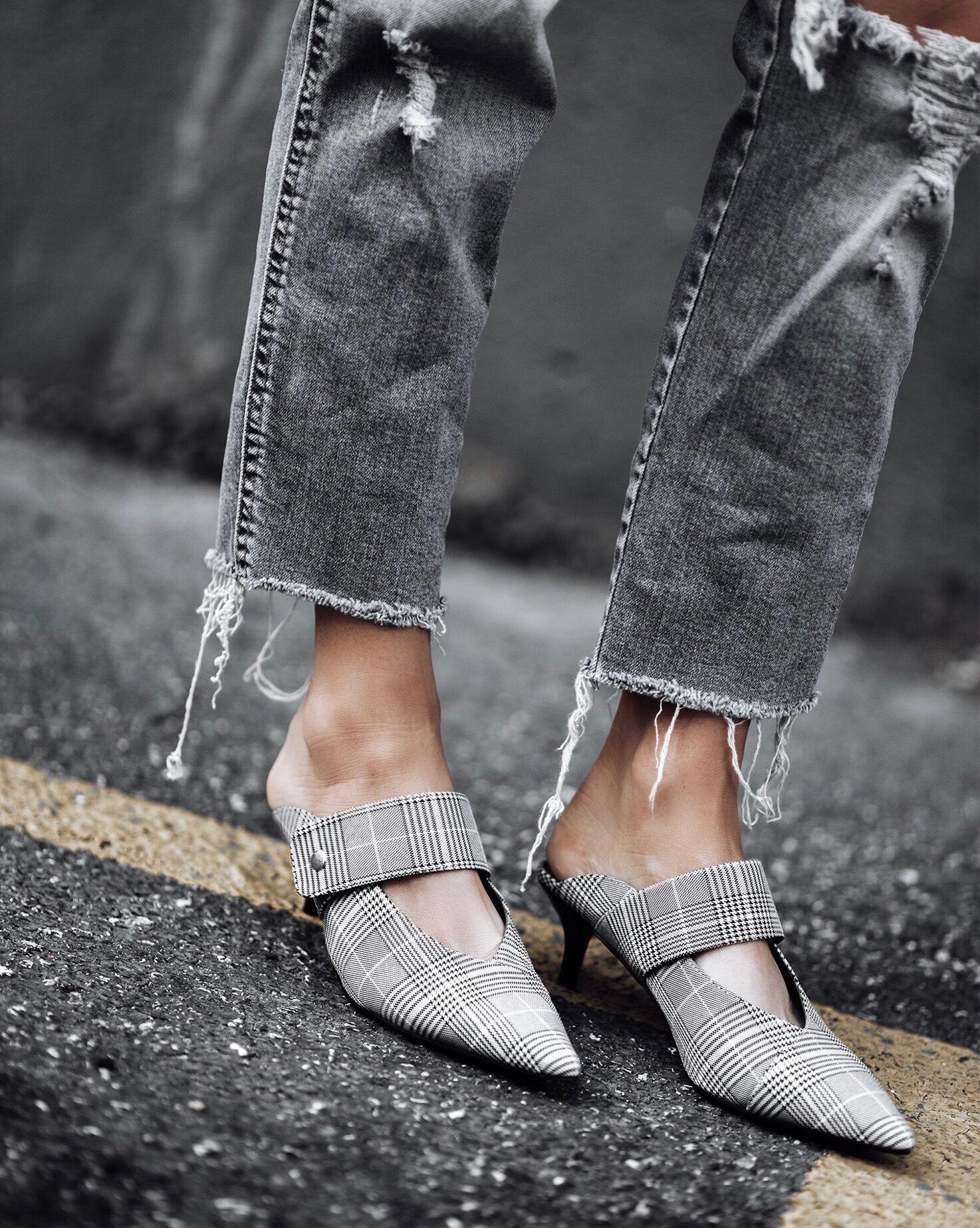 Tiffany Jais fashion and lifestyle blogger of Flaunt and Center | Houston fashion blogger | Friday Feels | Streetstyle blog | #blog #rippeddenim #plaid