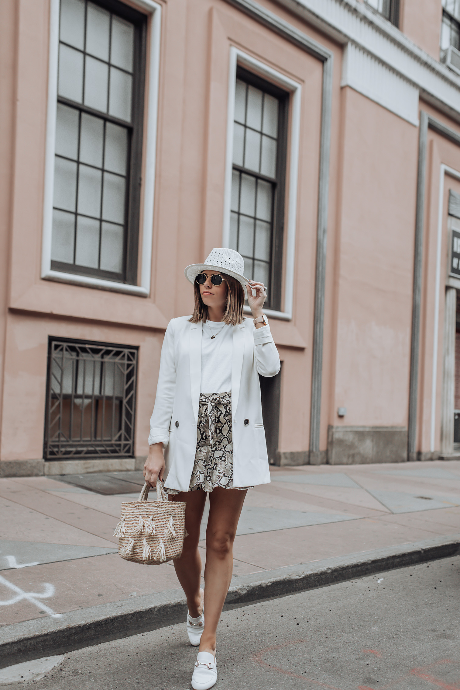 Mixing spring and fall pieces | White mules | Skirt (Zara, similar here) | Similar Hat | White Blazer| Tassel Bag #snakeprint #blazeroutfits #topshop #zara #streetstyle