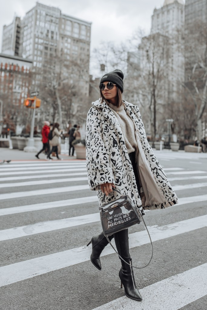 Snow leopard   Still so obsessed with leopard print, not sure if that will ever change! It's the perfect neutral to make a statement with and I'm so happy it's sticking around for 2019! Unfortunately, the day it goes out of style half my closet dies, so let's hope that doesn't happen! Haha!
