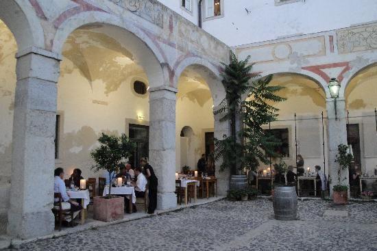 A_Travessa_Lisboa_Portugal_