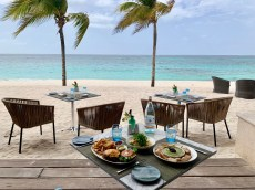 Almoço a beira mar